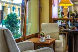 lobby-6-corvin-hotel-budapest.jpg
