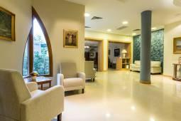 lobby-2-corvin-hotel-budapest.jpg
